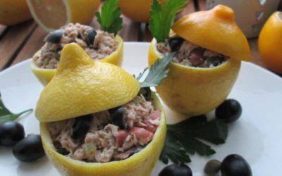 Салат фасолевый с тунцом, маслинами и каперсами