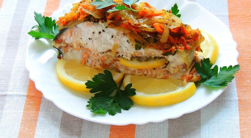 Рыба нерка запеченная в духовке с лимоном